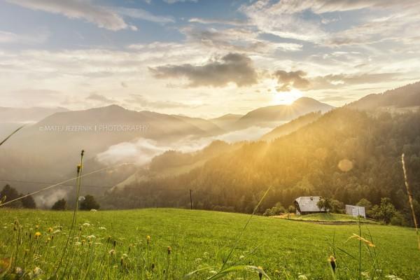 Beautiful sunset; Čudovit sončni zahod; Landscape; pokrajina; mountain farm; visokogorska kmetija; meadow; travnik