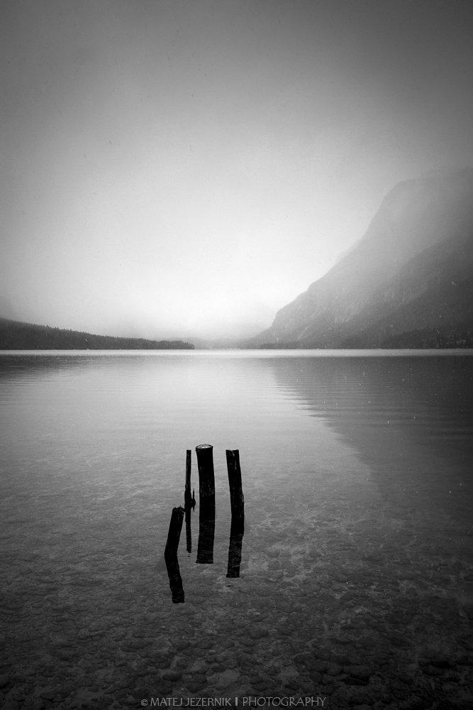 Mirroring_at_Lake_Bohinj_1_m.jpg