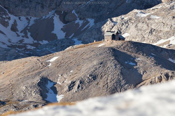 There is no snow on the ground arround Planika hut. In the history of recording snow, the nearby Kredarica meteorological station has never had no snow on the ground on christmas day ! December 2015